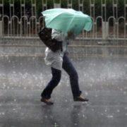 Але готуйте парасольки: в Україну йде потепління до +24