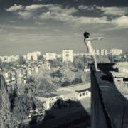 На Львівщині загинула школярка, впавши з даху багатоповерхівки