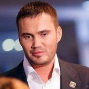 Могила сина Януковича здивувала журналістів (фото)