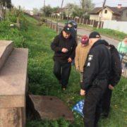 Жінка, яка збирала на кладовищі у Калуші черепи, заявила, що мала звільнити людей