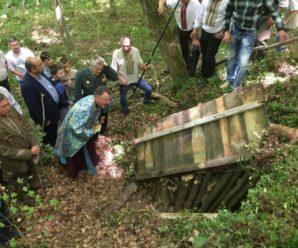 На Прикарпатті в селі Рудники відновили криївку (фото)