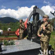 """На Косівщині відкрили пам'ятник """"кіборгу"""" Миколі Самаку(фото)"""