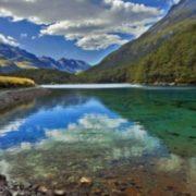 Чому в найчистіше озеро на Землі ні в якому разі не можна занурюватися?