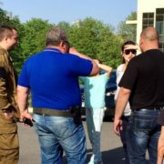 Головний сепаратист Луганська лякав жителів міста зброєю