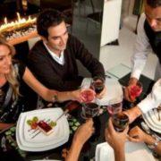 Варто занати! Як ресторани змушують відвідувачів витрачати більше: 7 прийомів