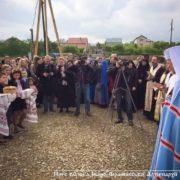 У Драгомирчанах освятили наріжний камінь майбутньої католицької гімназії при монастирі. ФОТО