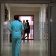 Скільки українців потрапляють у халепу через лікування: страхітлива цифра