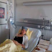 Онкохворій журналістці Оксані Кваснишин призначили операцію – жінка просить помолитися за неї