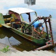 В Івано-Франківську нарешті почистять міське озеро (фоторепортаж)