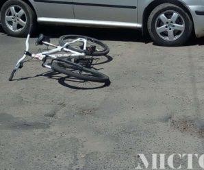 ДТП у Франківську: під колесами автомобіля опинився неповнолітній велосипедист. ФОТО