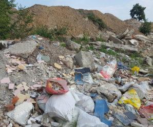 Невідомі перетворили відпочинкову зону на Бистриці у стихійне сміттєзвалише(фото)