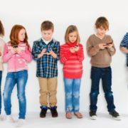 Чому діти до 12 років не повинні користуватися гаджетами