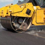 Свободівська дорожня фірма своїми скаргами на невизначений термін зупинила ремонт автомагістралей на Івано-Франківщині