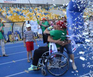 Iron man: українець на інвалідному візку встановив світовий рекорд з триатлону