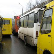 У Івано-Франківську звільнили водія маршрутки, який вигнав з автобуса дитину