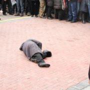 ШОК! У Києві просто посеред вулиці розстріляли жінку, ви будете приголомшені від кількості ран