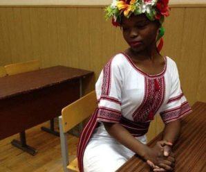 Чорношкіра красуня у вишиванці підірвала мережу (фотофакт)