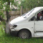 На Львівщині п'яний священик скоїв ДTП (фото)