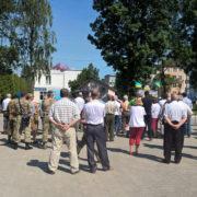 Замість молебня в Бурштині знову лунають політичні гасла (фото)