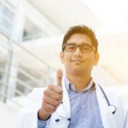 На Івано-Франківщині іноземні студенти-медики просять перескласти випускний іспит (відео)
