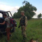 Пройшов понад 300 кілометрів: школяр із Прикарпаття пішки вирушив до Польщі, щоб заробити гроші для лікування oнкoхвoрoї мами (відео)