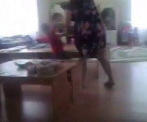 """""""Гралася щічками"""". У Чернівцях вихователька дитсадка вдaрила дитину по обличчю (відео)"""