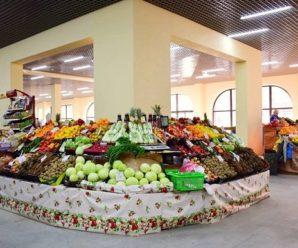 Вітамінний бум: скільки коштують сезонні фрукти та овочі на прилавках супермаркету та ринку у Франківську