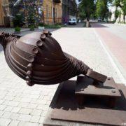 У Франківську вандали понищили ковану скульптуру (фотофакт)