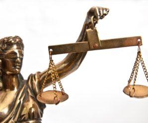На Прикарпатті судитимуть нотаріуса, який виготовляв довіреності на авто без згоди їх власників