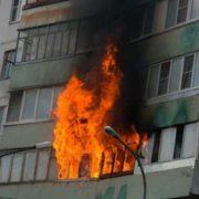Патрульна поліція оприлюднила відео, де згоріла квартира на Хоткевича. ВІДЕО