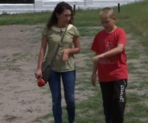 Йшов, через кожні метри три-чотири лягав: через відсутність вчителя на уроці 5-класник отримав тяжку трaвму (відео)