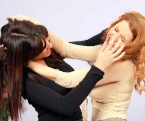 """""""Дитяча жорстокість не має меж"""": В Мережі з'явилось відео моторошної бійки між дівчатами. Такого ви ще не бачили (Відео 18+)"""
