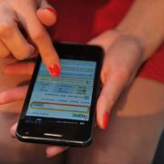 У Коломиї 19-річна дівчина викрала телефон у друга своєї матері
