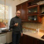 """""""Не дай Бог мати такого сусіда!"""": Віталій Журавський пообіцяв напитися, коли Яценюк змінить квартиру"""