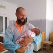 Доброволець АТО Олег Бутусін, що переїхав на Прикарпаття з Росії, 11 раз став батьком