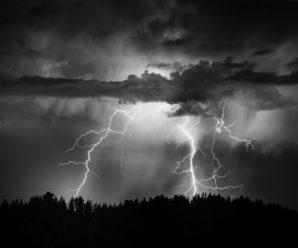 ТЕРМІНОВО! Синоптики оголосили про штормове попередження. Дізнайтесь першими, у яких областях сьогодні пройдуть грози
