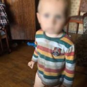 У Києві малюк цілий день кликав маму з балкону восьмого поверху(відео)