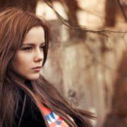 Помилка молодості: Люда чекала коханого, щоб сповістити чудову новину, дарма, що він був одружений
