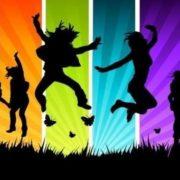 Влад Яма та хореографи з-за кордону навчають дітей та батьків на міжнародному танцювально-тренувальному таборі в Яремчі. ВІДЕО