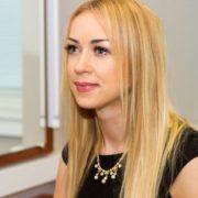 Шалена і розпусна: Наталія Валевська показала оголене фото у ванній з шампанським
