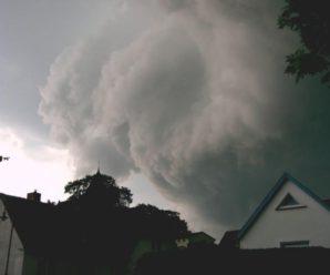 З дому краще не виходити: прикарпатців знову попереджають про сильний буревій