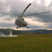 На Прикарпаття прилетіли військові гелікоптери МІ-8 (фото)