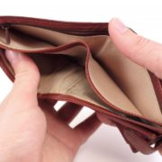 На Снятинщині 17-річна дівчина вкрала з гаманця сусідки 100 євро
