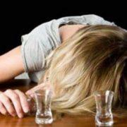 Свято вдалося. У Франківську патрульні допомогли дитині, яка вела п'яну маму додому з Першого дзвоника (фотофакт)