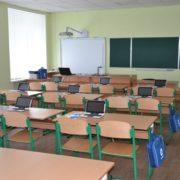 Керівники шкіл і садочків не мають права вимагати гроші з батьків на ремонти і меблі
