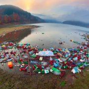 Карпати потопають у смітті: фотограф показав, як виглядає Теребле-Ріцька ГЕС (фото)