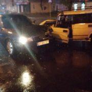 Аварія у Франківську: на перехресті вулиць Васіліянок – Галицька зіткнулися два автомобіля (фото)