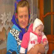 """""""Відро борщу і 200 вареників на обід, без цукерок і освіти"""": як живе українська родина, у якої 18 дітей"""