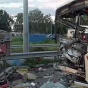 Терміново! Під Києвом ДТП: фото з місця жахливої загибелі бійця Нацгвардії.