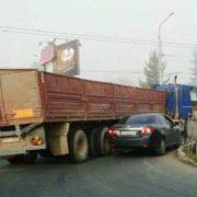 Чергові ранкові ДТП: у Франківську аварії на двох ключових перехрестях. ФОТО